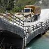 Çöken Köprü  Vatandaşlar Tarafından Trafiğe Açıldı Haberi