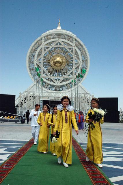Türkmenistan'da Türkiye imzası!
