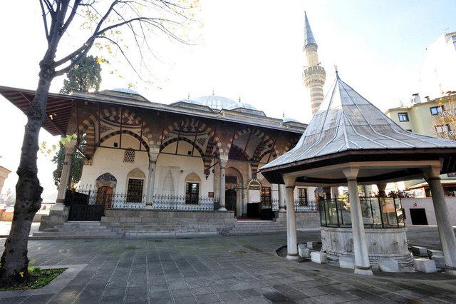 """""""Şehzadeler Kenti"""" artık büyükşehir!"""