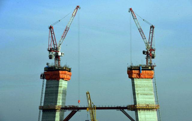 3. köprüde yolun yarısı geçildi