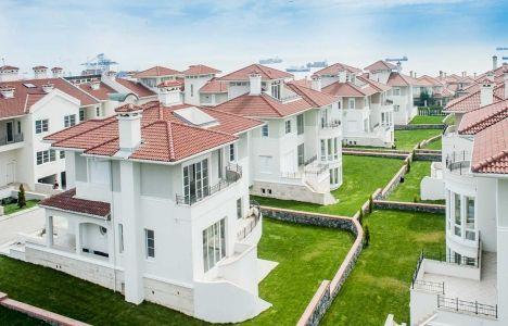 Beylikdüzü West Wall Marina Vilları'nda icradan satılık villa!