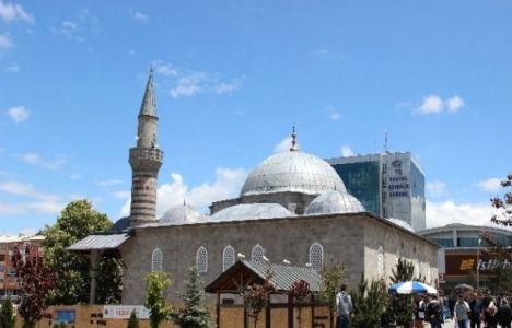 Türkiye'deki cami sayısı 10 yılda 10 bin arttı!