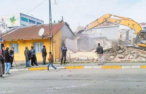 Ataşehir Aşık Veysel Mahallesi'ndeki evlerin yıkımına başlandı!