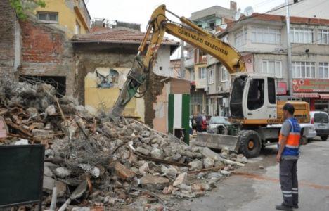 Bursa Osmangazi'de iki bina yıkıldı!