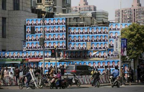 Çin'de bina yıkımına posterli engel!