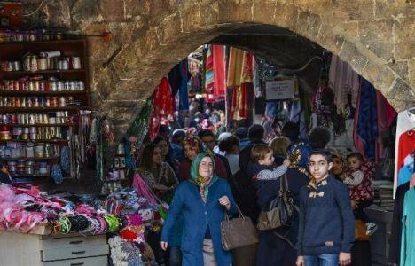 Kemeraltı Sokak Sağlıklaştırma Projesi Büyükşehir'den geçti!