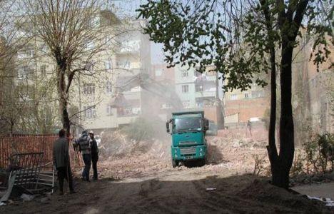 Diyarbakır'da 11 okul, 6 aile sağlık merkezi ve 2 yurt karakola dönüşecek!
