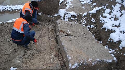 Temel Kazısında 2 Bin Yıllık Lahitler Bulundu