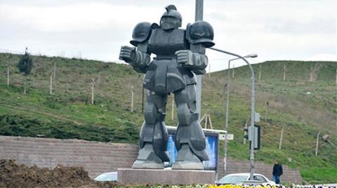 Gökçek: Bizim Robotun Granit Mermer Kafası Mimarlardan Daha İyi Çalışır