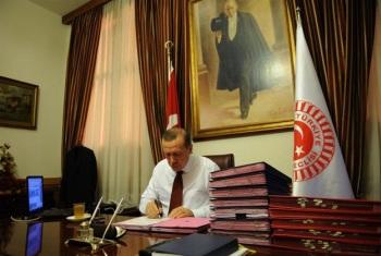 Başbakan'ın çalışma odasına 330 bin lira