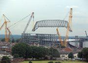 Anfield'de 650 Tonluk Çatı Makası Böyle Monte Edildi