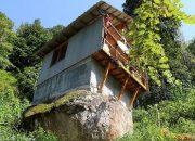69 Yaşındaki Vatandaş Kaya Üzerine Kendi Elektriğini Üreten Ev Yaptı