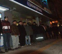TOKİ'den Ev için 4 Gündür Banka Önünde Bekliyorlar
