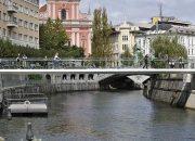 Ljubljana'da Şeffaf Bir Yaya Köprüsü Tasarımı