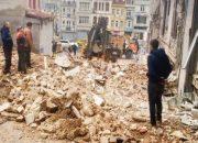 Beyoğlu'nda çökmek üzere olan çok bina var!
