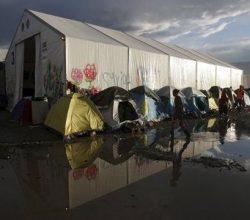 Yunanistan'da sığınmacılar için tesisler inşa edilecek!