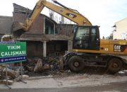 Bursa Güzelyalı'daki 4 bina yıkıldı!