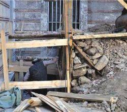 Üniversitedeki arkeologsuz inşaatı öğrenciler durdurdu