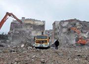 İzmit'te depremden kalma binalar yıkılacak!