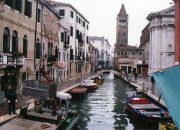 İtalya'da gençlerin aileyle yaşama oranı yüzde 6 arttı!