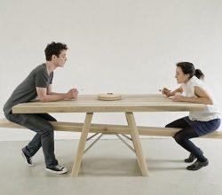 Bu Masada Tek Başına Yemek İmkansız