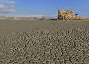 Van Gölü'nde Son 15 Yılın En Büyük Kuraklığı: Sular Çekildi, Kale Göründü!