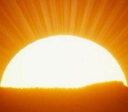 Bu Jeneratör Hem Rüzgar'ı Hem Güneş'i Aynı Anda Kullanabiliyor!
