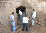 İnşaat Kazısında 2 Bin 300 Yıllık Mezar Odaları Bulundu