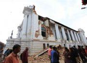 Nepal 7,8 büyüklüğündeki depremle sallandı: Ölü sayısı bin 457'e yükseldi