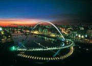 Gateshead Millennium Bridge – Blinkinh Eye Bridge (Göz Kırpan Köprü)