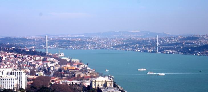 İstanbul Boğazı'nda yaklaşık 43 adet yalı satılmayı bekliyor.