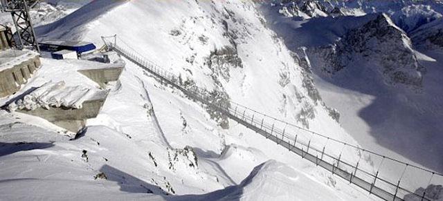 Dünyanın en korkunç köprüsü açıldı