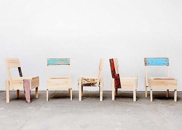 Enzo Mari'nin Mobilyasını Mülteciler Yeniden Tasarladı