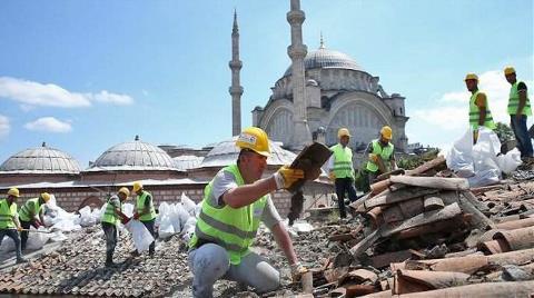 Kapalıçarşı'nın Restorasyonu Çatıdan Başladı