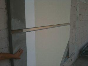 Mimari estetik için duvar kaplamada fuga yapılması