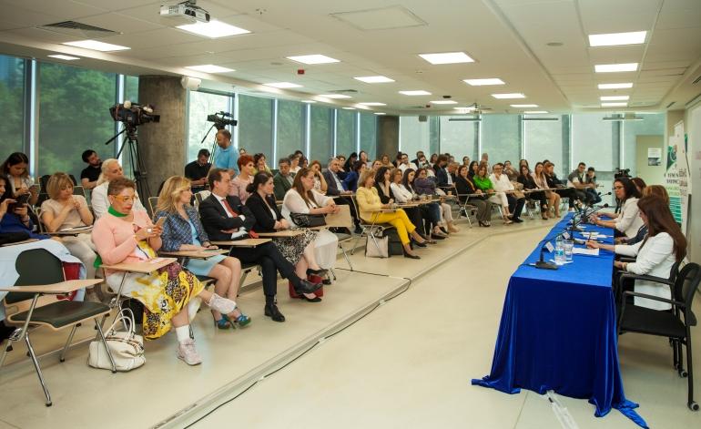 Karar Vericilerinin Yüzde 50'sinin Kadın Olduğu Şirketlerde Karlılık Yüzde 28.7 Daha Yüksek