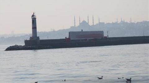 Kadıköy'de Tarihi Mendirekte Reklam Kavgası