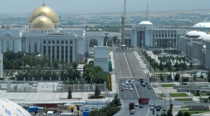 Türkmenistan'ı Türk müteahhitleri inşa ediyor