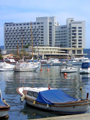 Tarabya Oteli Yeniden Dönüyor