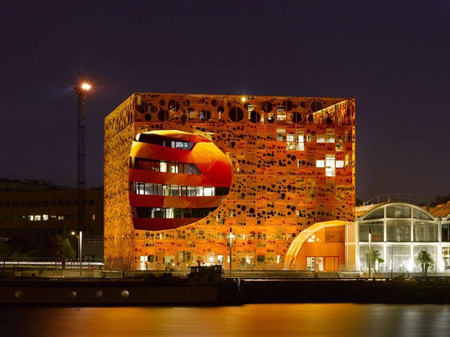 the-orange-cube-01